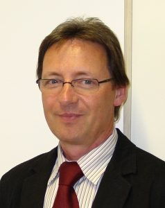 Dr. Steffen Pollack is Managing Director of Fabmatics.