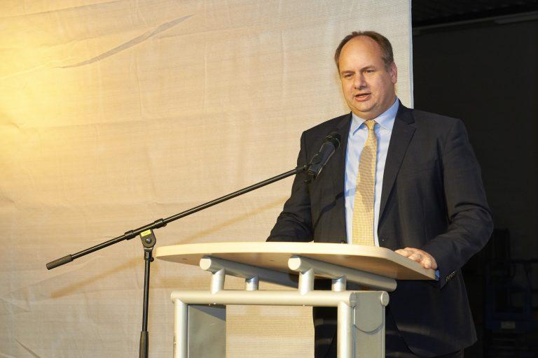 Oberbürgermeister Dirk Hilbert zur Fabmatics Einjahresfeier