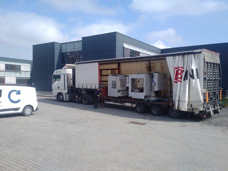 Transport der Fabmatics Maschinen