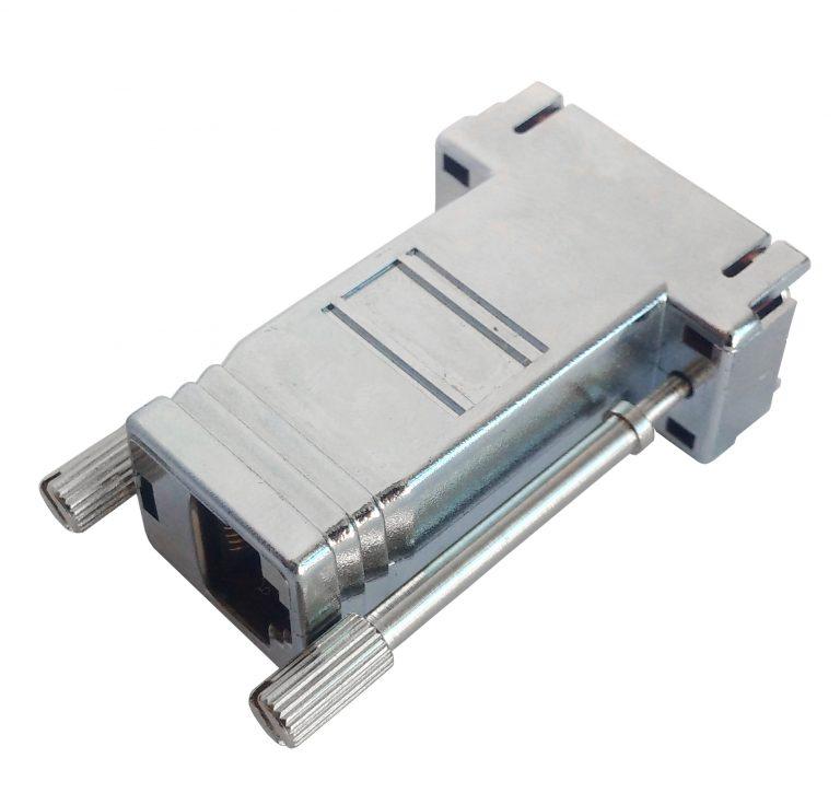 Adapter zur Konvertierung des CAN-Busses zwischen DB9-Steckverbindern und RJ45-Steckverbindern.