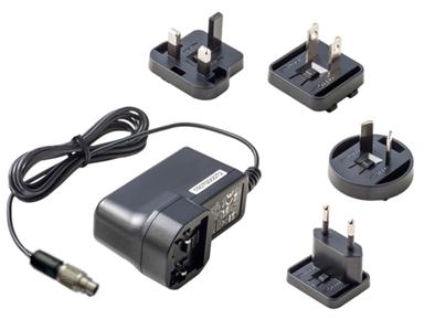 24V, 40W Steckernetzteil mit EU- oder US-Buchsenstecker. Ausgestattet mit einem 2-poligen Stecker der Binder 712 Serie für die Verwendung mit seriellen RFID-Lesern von Fabmatics und CAN2WEB Mini.