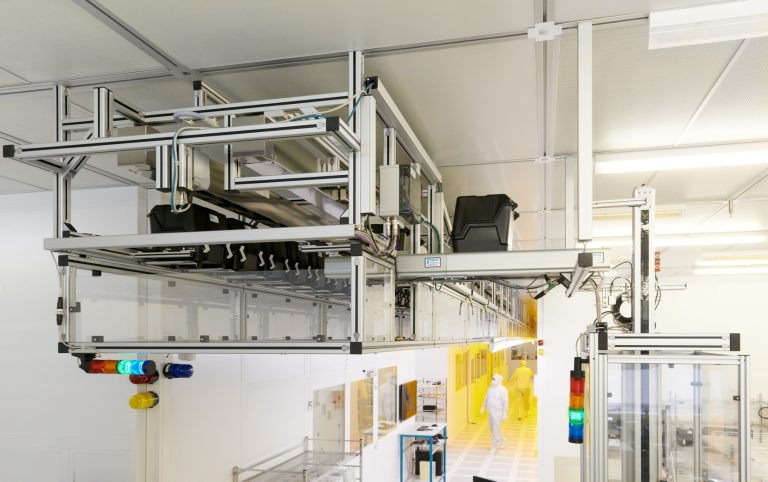 FlatStocker installation with 200 storage bins at Frauenhofer IMPS Dresden