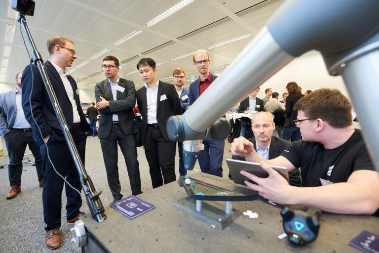 17. Innovationsforum for Automation Dresden 2020 DGUV Akademie Dresden - Vorführung von Wandelboots